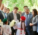 Prince Aly Muhammad being welcomed in Dushanbe, Tajikistan